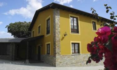 Apartamentos Rurales Casa Pachona en Puerto de Vega a 22Km. de Serandinas