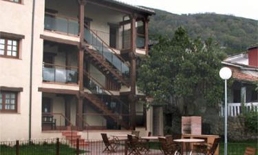 Apartamentos El Portugal en El Torno a 8Km. de Cabrero