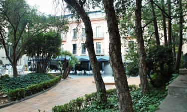 Balneario Vila de Caldes en Caldes de Montbui a 21Km. de Sant Martí de Centelles