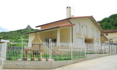 Casa Rural Gesaltza Etxea en Salinas de Añana a 16Km. de Santa Gadea del Cid
