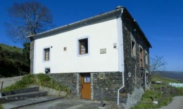 Casa Rural A Cantina en San Martín de Oscos a 21Km. de Bres