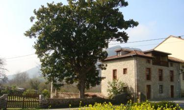 Casas de Aldea Las Rozas en Panes (Asturias)
