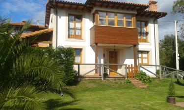 Casas de Aldea el Boo en Cabranes (Asturias)