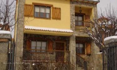Casa Rural El Tinao de Gredos en Navarredonda de Gredos a 23Km. de Villarejo del Valle
