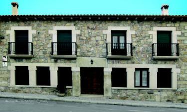 Casa Rural Tio Claudio I Y II en El Barraco a 15Km. de Navaluenga