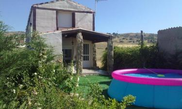 Casa Rural La Casa de Colores en Muñopepe a 3Km. de La Serrada