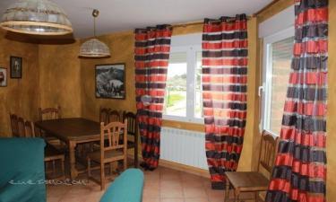 Casa Rural Encinares I-II-III en Narrillos de San Leonardo a 13Km. de La Serrada