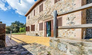 Casa rural Paraíso Tentudía en Monesterio a 32Km. de Calzadilla de los Barros
