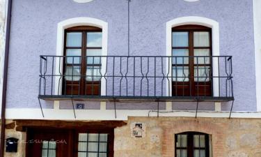 Casa Azul de la Ribera del Duero en Mambrilla de Castrejón a 26Km. de Laguna de Contreras