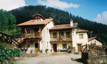 Apartamentos Rurales Caborzal en Valle de Cabuérniga a 12Km. de Los Tojos