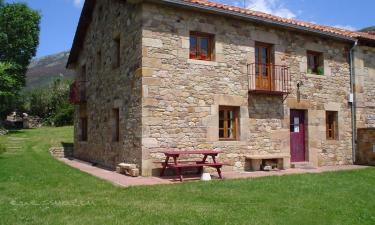 Casa Rural Casa de Encimabia en Abiada a 33Km. de Vañes