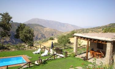 Casa Rural Cortijo Casilla Noguera en Pitres a 24Km. de Mecina-Bombarón