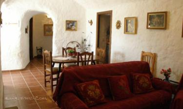 Casa Rural Cuevas del Sol en Cuevas del Campo (Granada)