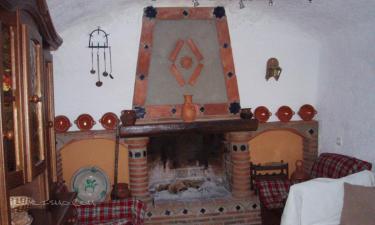 Casa Cueva Calderón en Cuevas del Campo (Granada)