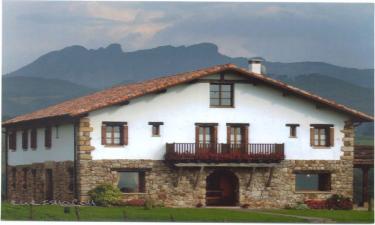 Casa Rural Peluaga en Oiartzun a 6Km. de Rentería