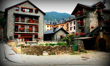 Apartamentos Casa Juaneta en Broto (Huesca)