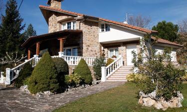 Casa Rural Casa Los Pinos en El Rasillo de Cameros a 5Km. de Nieva de Cameros