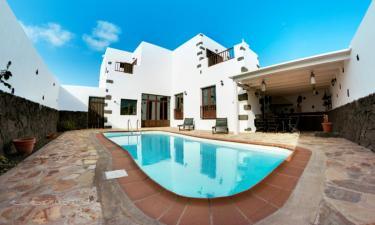 Villa de 3 habitaciones en Tinajo a 15Km. de La Asomada