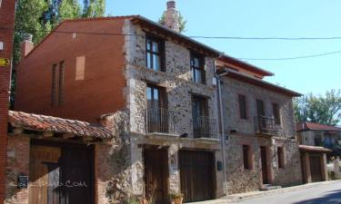 Casa Rural La Oca 1 y La Oca 2 en Carrocera a 46Km. de Villar de Mazarife