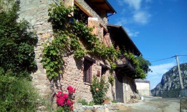 C.Q. Ca la Parra Pirineos en Noves de Segre (Lleida)