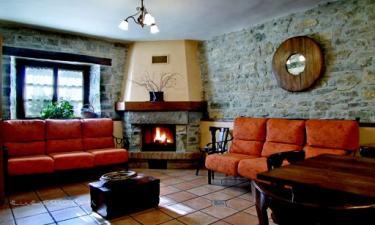 Casa Rural Loretxea I y II en Izcue a 28Km. de Enderiz