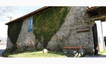 Casa Rural Rectoral de Candás en Rairiz de Veiga a 55Km. de Arcucelos