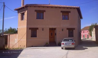 El Descanso de los Lares en Miguel Ibañez (Segovia)