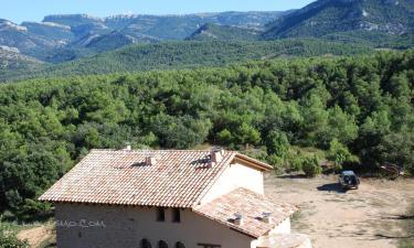 Masia de la Serra de la Cogulla en Peñarroya de Tastavíns (Teruel)