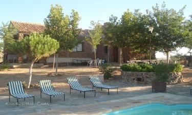 Las Casas del Conde en Villanueva de Bogas a 32Km. de Villaminaya