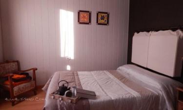 Alojamiento Rural Pueblo de la Ribera en Peñafiel a 20Km. de Laguna de Contreras