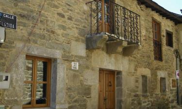 Casa Rural Los Cabritos de Tomás en Puebla de Sanabria a 41Km. de Lubián