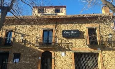 Hotel Villa de Berzocana en Berzocana a 49Km. de Valdecaballeros