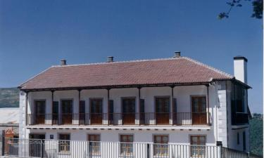 Hotel Cinco Castaños en Candelario a 11Km. de Cantagallo