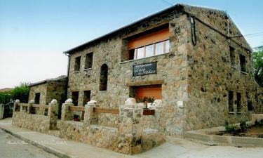 Hotel CTR La Casa del medico en Serradilla del Arroyo a 23Km. de Horcajo