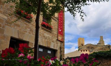 Hotel Caserón el Remedio I en Uncastillo a 24Km. de Sos del Rey Católico