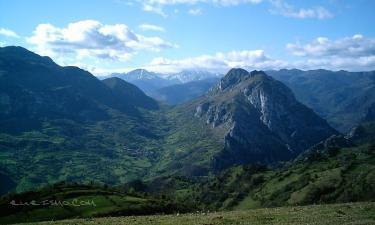 Proaza:  La Cruz (Sograndio), auténtico mirador natural en el centro de Asturias: Oviedo, el Aramo, Ubiña, Peña Sobia, La Mesa... incluso Gijón, en un días claros de invierno