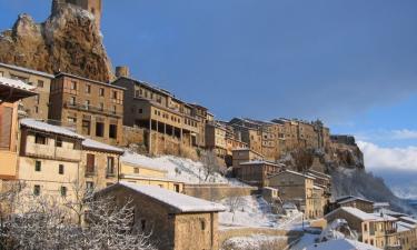 Frías:  Castillo y casas congantes