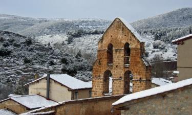 Frías:  Espadaña de la Iglesia de San Vitores