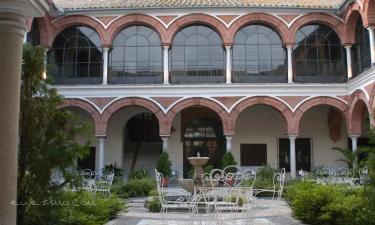Palma del Río:  Claustro del Hospital de San Sebastián