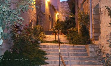 Cabestany:  calle de noche de cabestany lleida