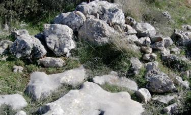 Cueva de Agreda:  Las Patadas del Diablo en Cueva de Ágreda (Soria)