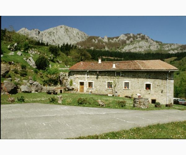Casa rural caser o muru en aramaio lava - Caserio pais vasco ...