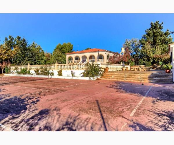 Villa c ndida villar de chinchilla albacete rurismo for Piscina y candidiasis