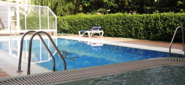 Hotel de monta a rubielos rubielos de mora teruel rurismo for Piscina climatizada teruel