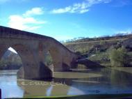 Puente sobre el río Arga Puente la Reina/Gares